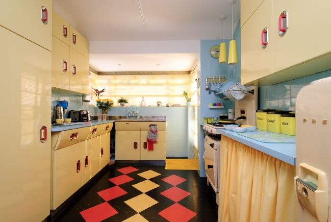 Fabulous 50's kitchen.: Location Partnership