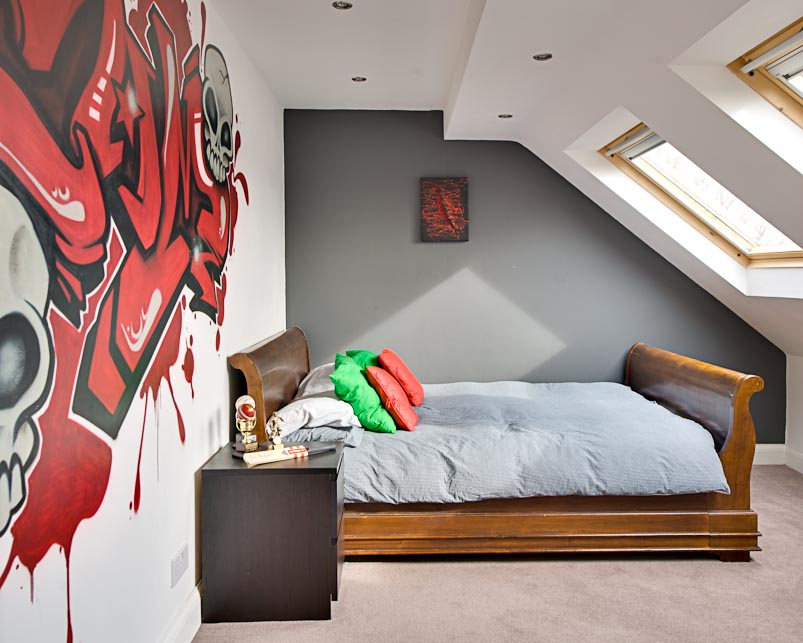 Teenage boys 39 bedroom with a graffiti wall location for Cool designs to paint on bedroom walls