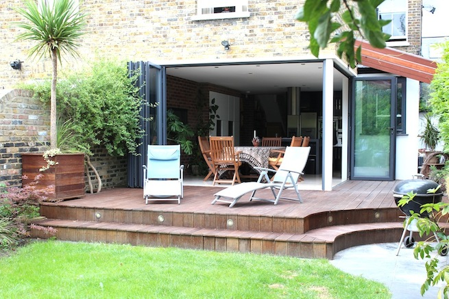 Amazing Lovely modern house with open plan kitchen opening onto garden 655 x 437 · 141 kB · jpeg
